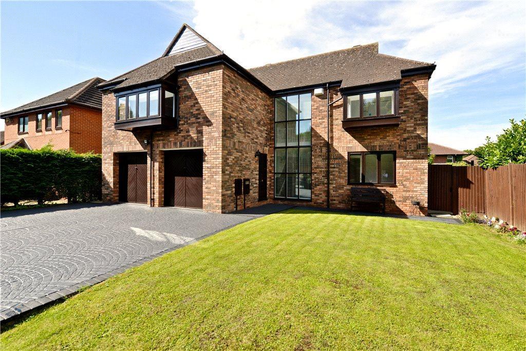 4 Bedrooms Detached House for sale in Hooper Gate, Willen, Milton Keynes, Buckinghamshire