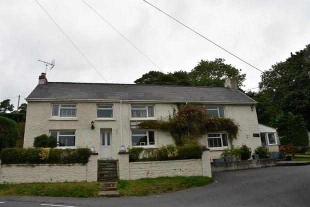 5 Bedrooms Detached House for sale in Llandyfriog, Newcastle Emlyn, Ceredigion