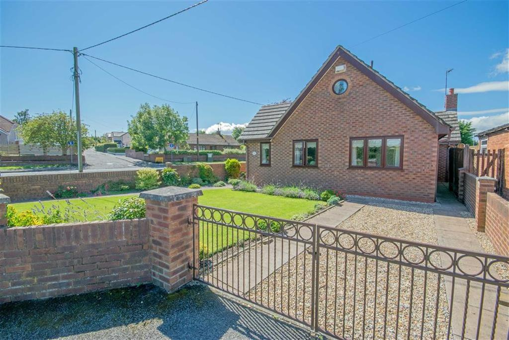 4 Bedrooms Detached Bungalow for sale in Argoed View, Main Road, New Brighton, Mold
