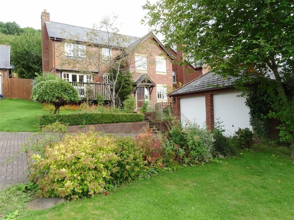5 Bedrooms Detached House for sale in 10, Bramble Close, Llanllwchaiarn, Newtown, Powys, SY16