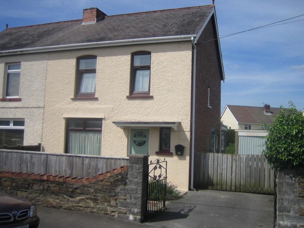 3 Bedrooms Semi Detached House for sale in Glanyrafon Rd, Pontarddulais
