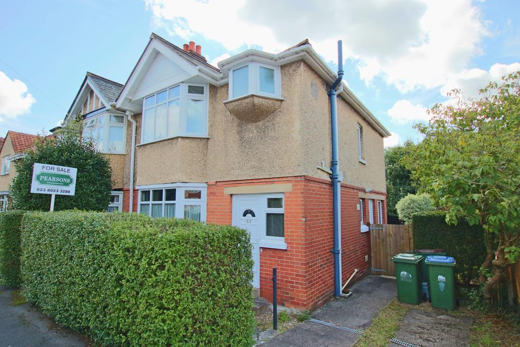 3 Bedrooms Semi Detached House for sale in Bassett, Southampton