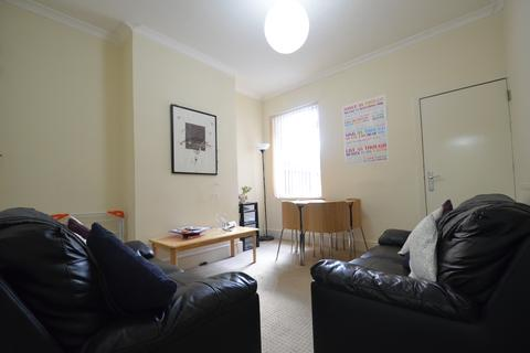 4 bedroom terraced house to rent - Lovely 4 Double Bedroom Student House, Milner Road, Selly Oak, Academic Year 2017 - 2018
