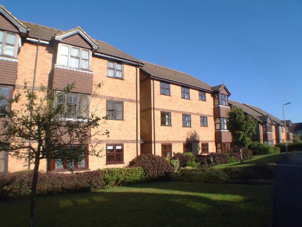 2 Bedrooms Flat for sale in Snowden Close, Eastbourne BN23