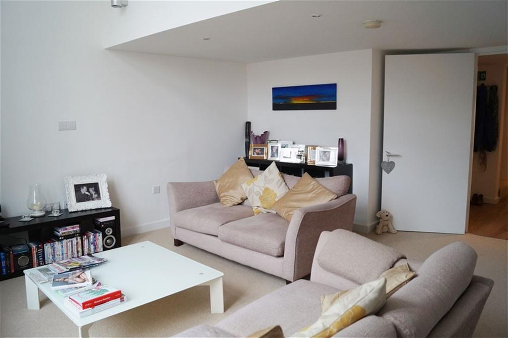 2 Bedrooms Flat for rent in Unity Street, Bristol,