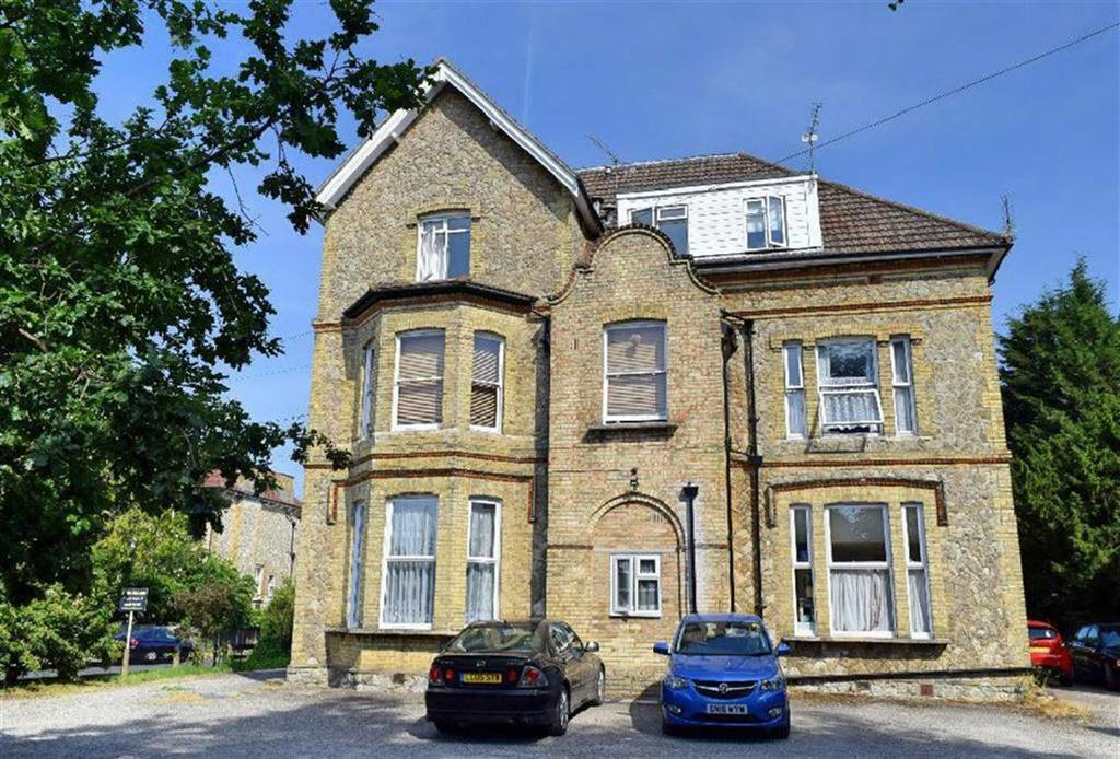 2 Bedrooms Flat for sale in Bayham Road, Sevenoaks, TN13
