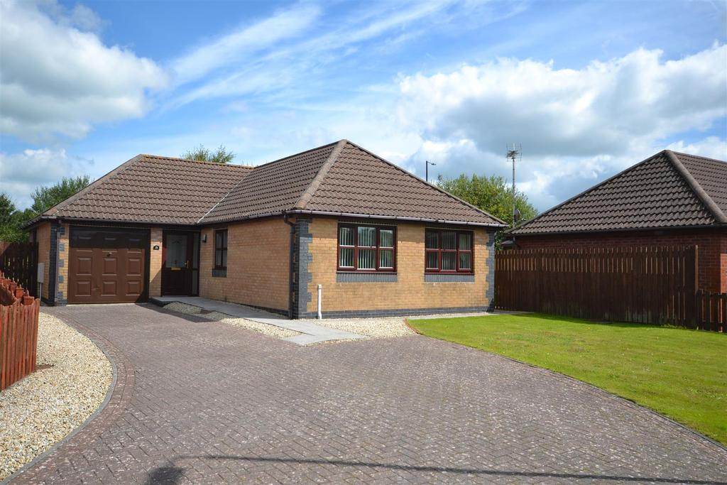 3 Bedrooms Detached Bungalow for sale in Rhodfa'r Gwendraeth, Kidwelly