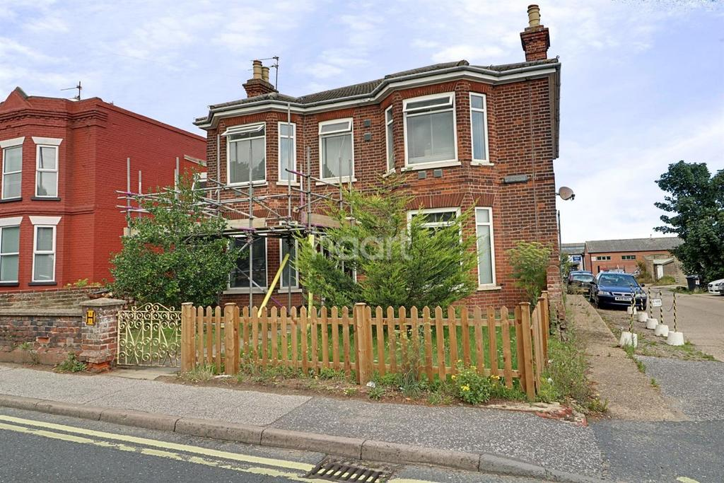 4 Bedrooms Detached House for sale in Victoria Road, Lowestoft