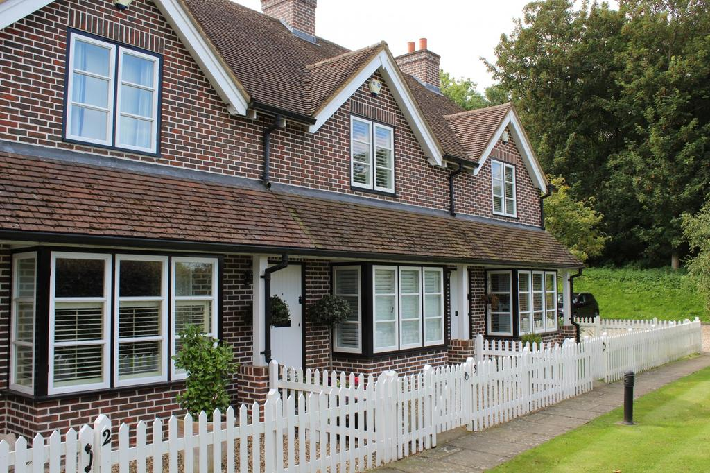 2 Bedrooms House for sale in Henley Road, Hurley