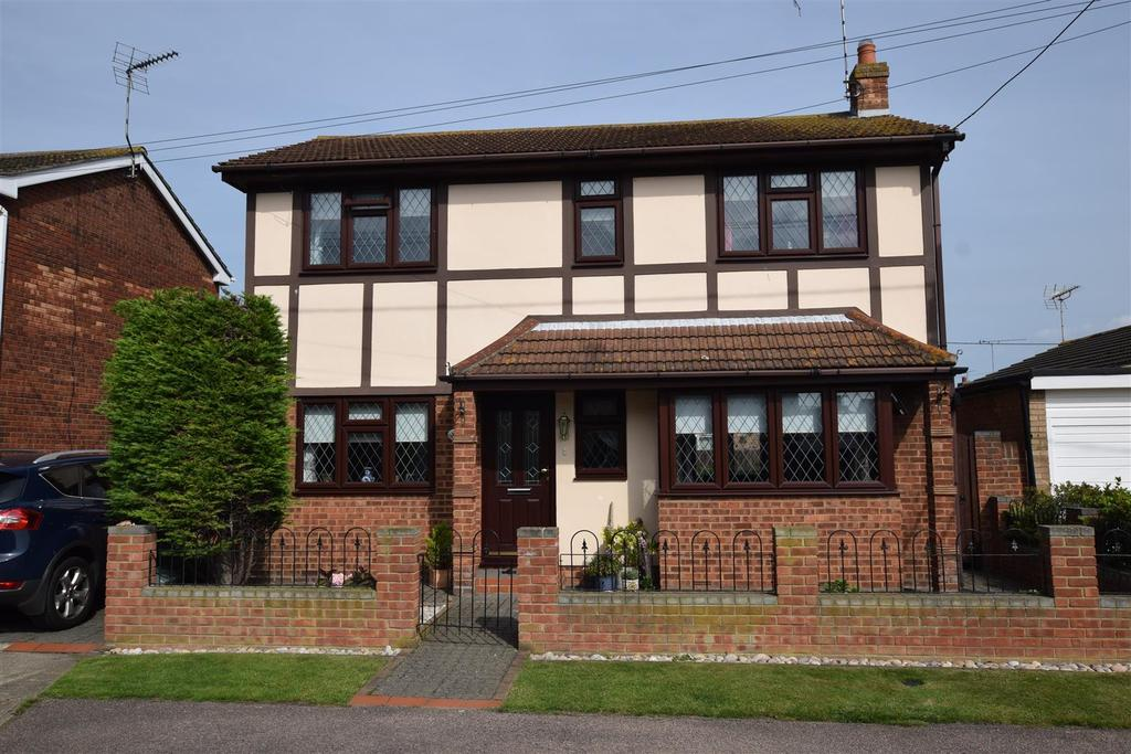 4 Bedrooms Detached House for sale in Chapman Road, Canvey Island