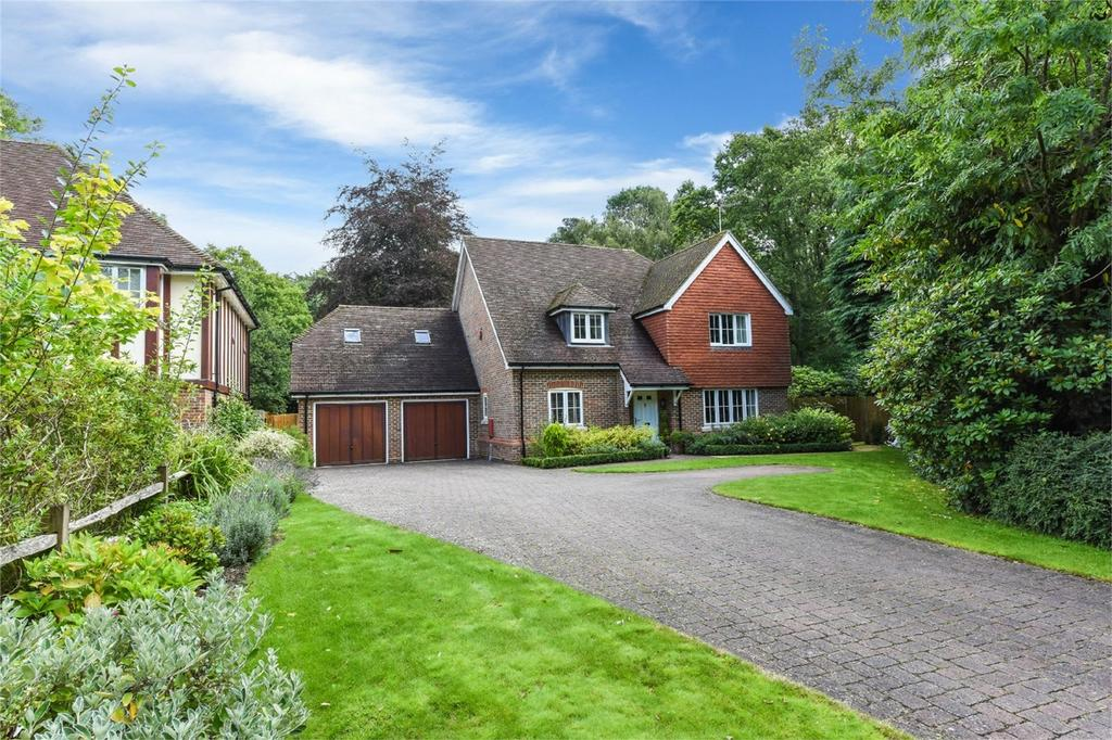 4 Bedrooms Detached House for sale in Telegraph Lane, FOUR MARKS, Hampshire