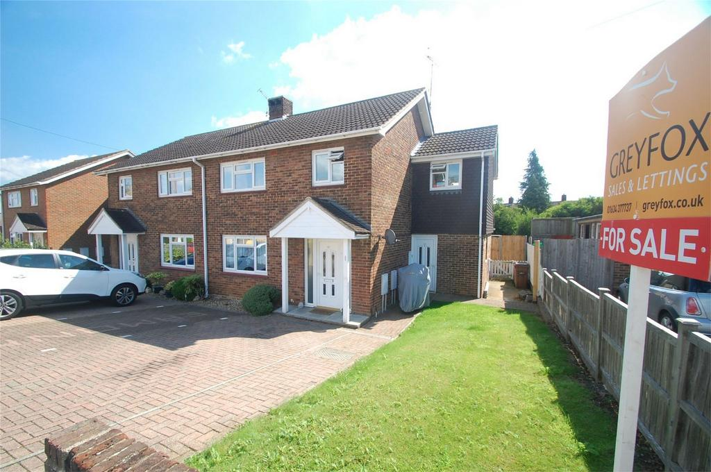 2 Bedrooms Maisonette Flat for sale in Thornham Road, Gillingham, Kent