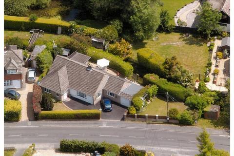 4 bedroom detached bungalow for sale - Crondall, Farnham