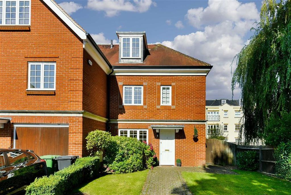 4 Bedrooms Town House for sale in The Cressinghams, Epsom, Surrey