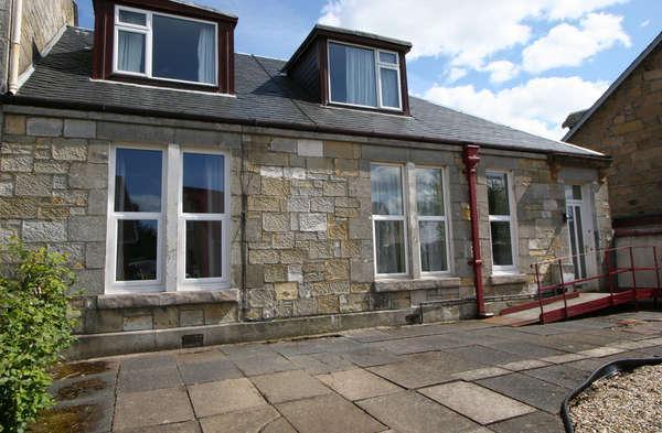4 Bedrooms Semi-detached Villa House for sale in 2 Douglas Place, Ayrshire, Largs, KA30 8PU