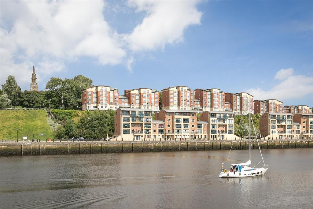 2 Bedrooms Flat for sale in Quayside, Newcastle upon Tyne