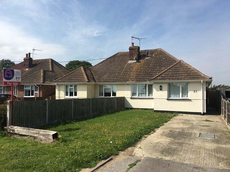 2 Bedrooms Semi Detached Bungalow for sale in Halstead Road, Frinton on Sea