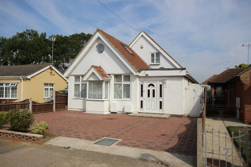 5 Bedrooms Detached Bungalow for sale in Dulwich Road, Holland-On-Sea, Clacton-On-Sea