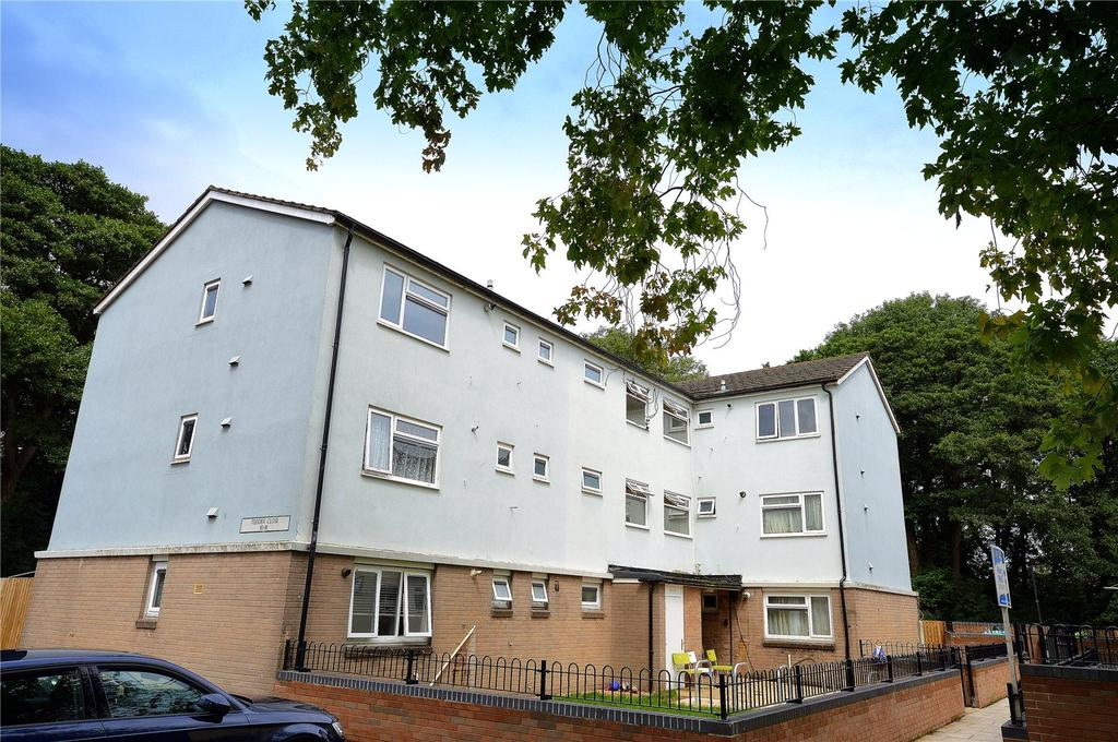 3 Bedrooms Apartment Flat for sale in Tedder Close, Llanishen, Cardiff, CF14