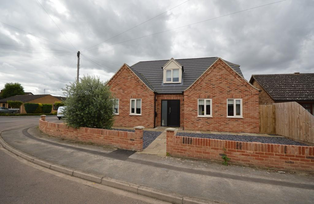 4 Bedrooms Detached House for sale in Penrose Gardens, Wisbech