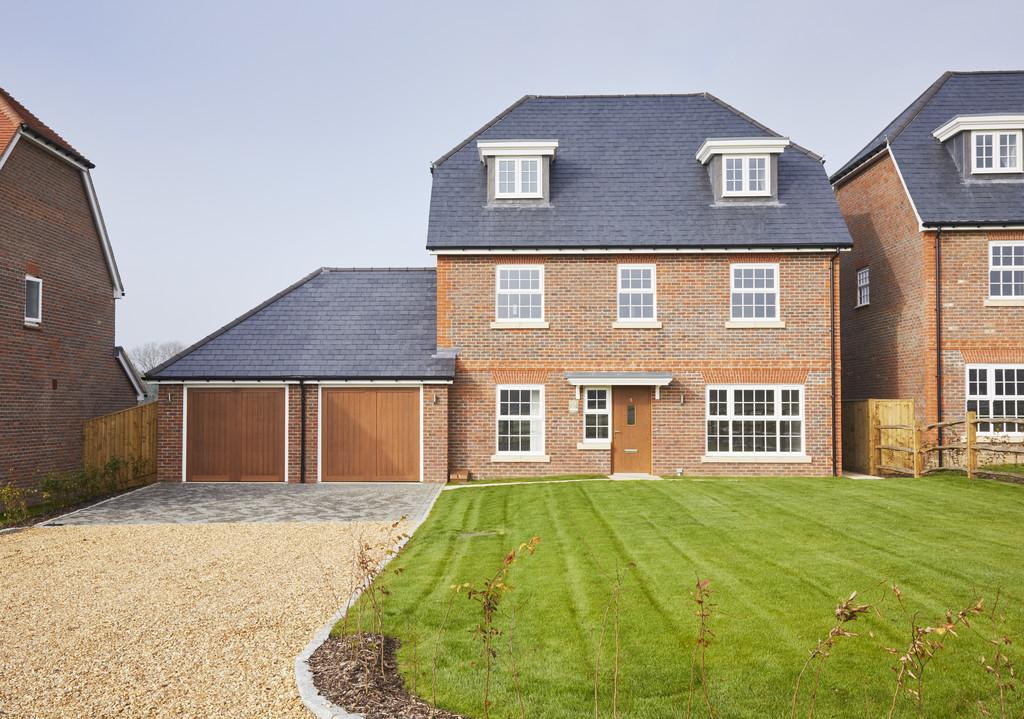5 Bedrooms Detached House for sale in Thakeham West Sussex