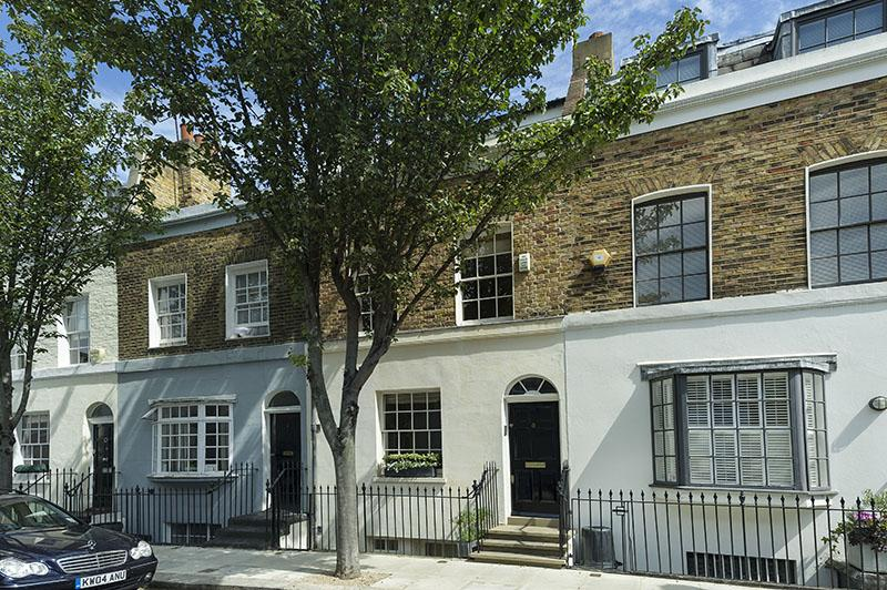 4 Bedrooms House for sale in Markham Street, London. SW3