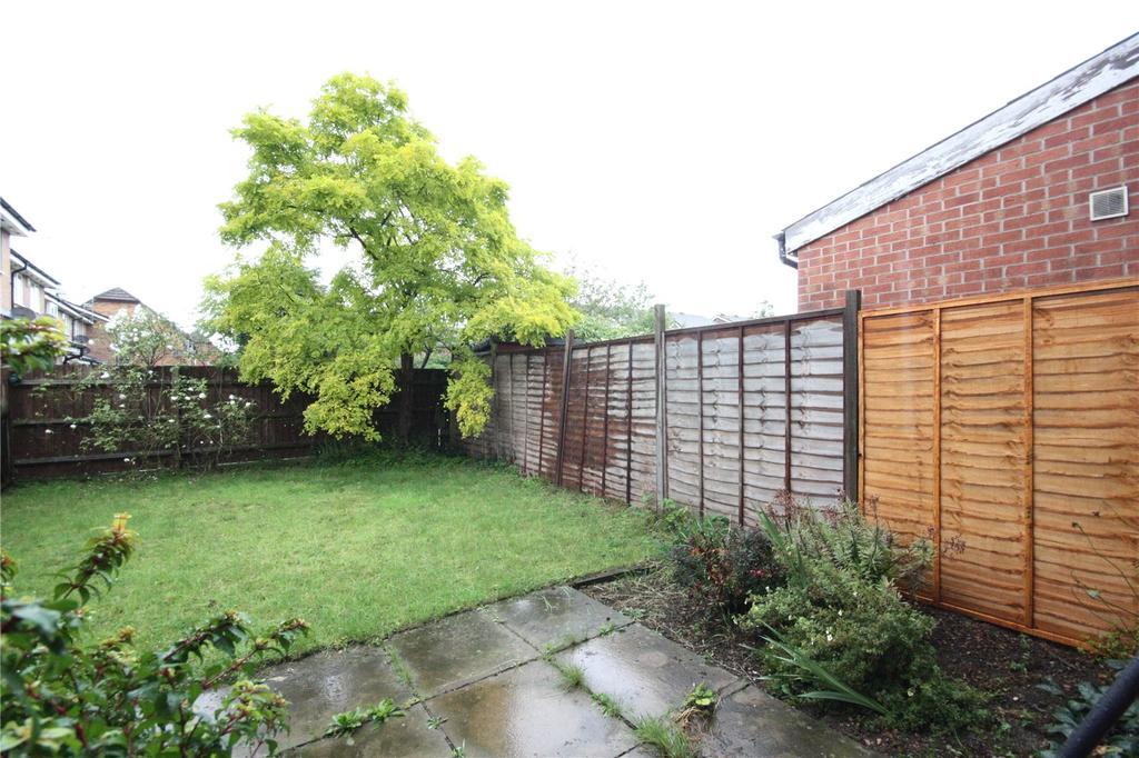 3 Bedrooms Terraced House for sale in Heron Drive, Lenton, Nottingham, Nottinghamshire, NG7