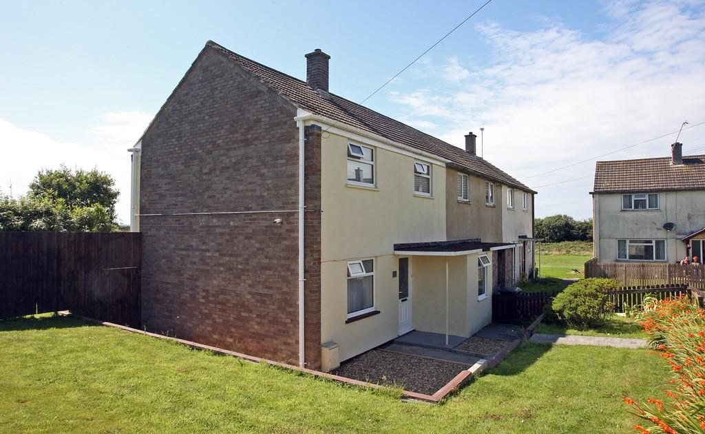 2 Bedrooms Semi Detached House for sale in Dol Eithin, Caergeiliog, North Wales