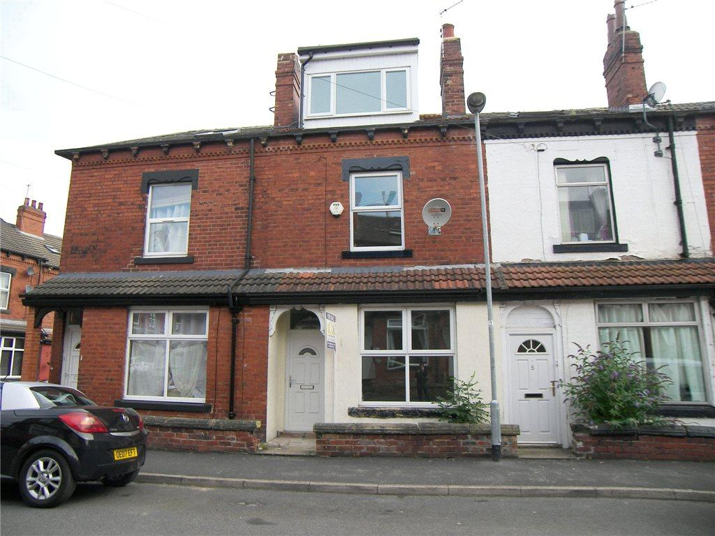 4 Bedrooms Terraced House for sale in Highthorne View, Armley, Leeds, West Yorkshire