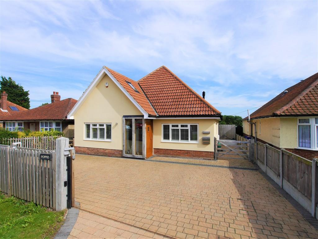 3 Bedrooms Detached House for sale in Duke Street, Hintlesham, Suffolk, IP8 3QP