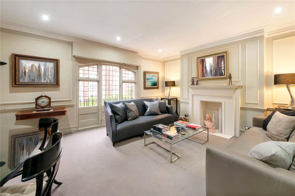 2 Bedrooms Flat for sale in Sloane Gate Mansions, D'oyley Street, London