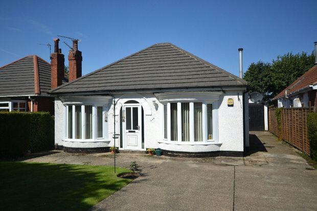 3 Bedrooms Detached Bungalow for sale in Humberston Avenue, Humberston, Grimsby