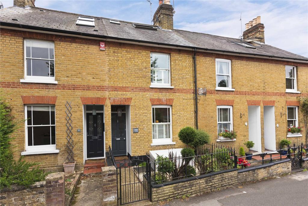 3 Bedrooms Unique Property for sale in Waverley Road, Weybridge, Surrey, KT13