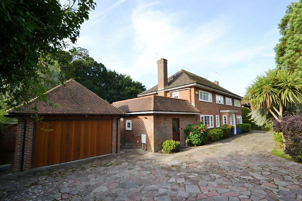 5 Bedrooms Detached House for sale in Fourth Avenue, Charmandean, Worthing, West Sussex, BN14 9NY