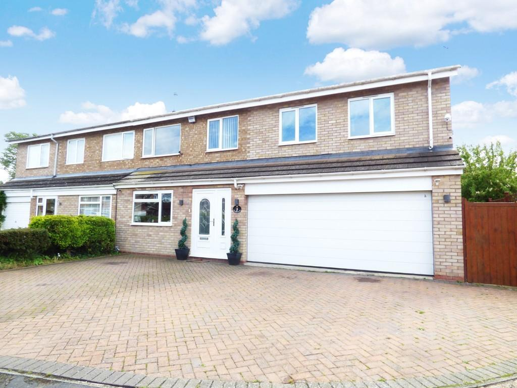 4 Bedrooms Semi Detached House for sale in Burbage Avenue, Stratford-Upon-Avon