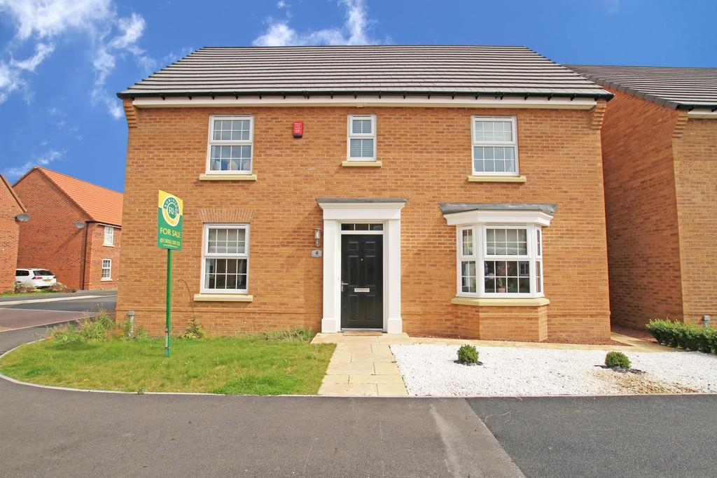 4 Bedrooms Detached House for sale in Sandhills Way, Branton, Doncaster