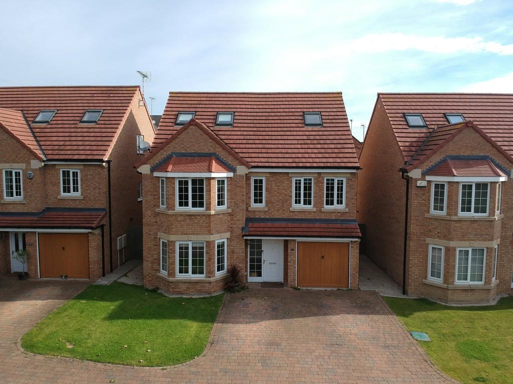 5 Bedrooms Detached House for sale in 16 Teachers Close Tadcaster Road York YO24 1UN
