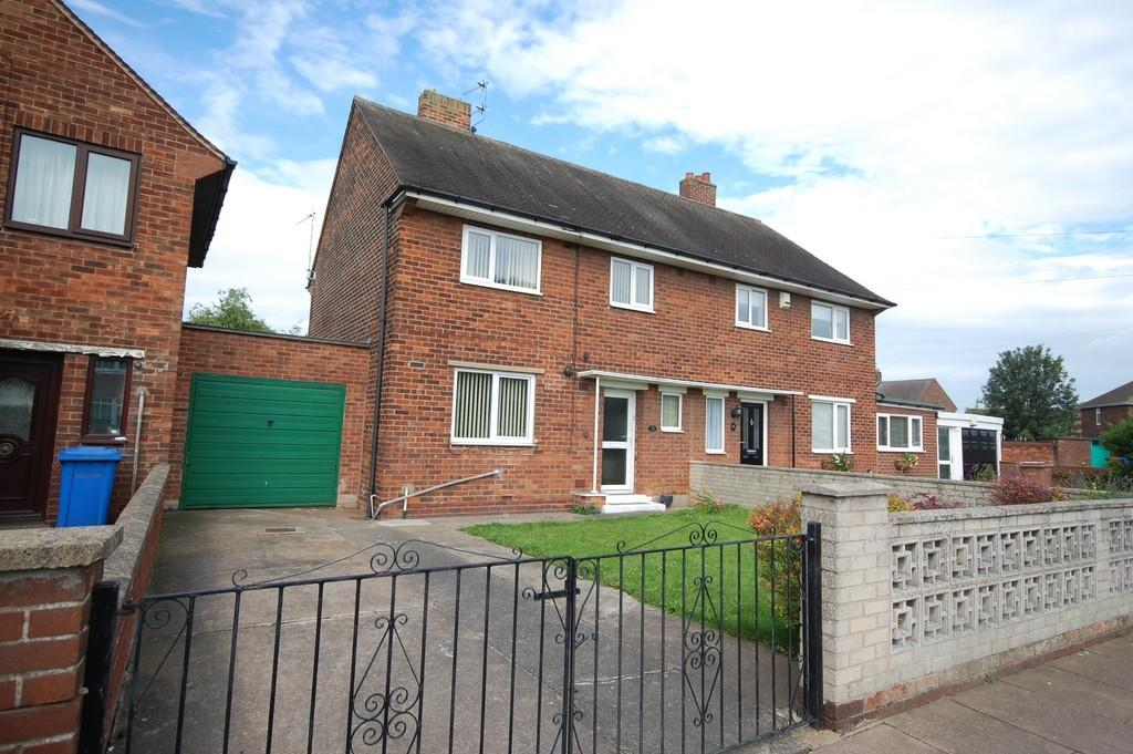 3 Bedrooms Semi Detached House for sale in Oxford Road, Goole