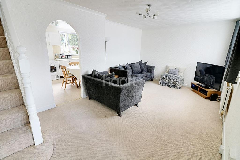3 Bedrooms Terraced House for sale in Huntsman Road, Hainault
