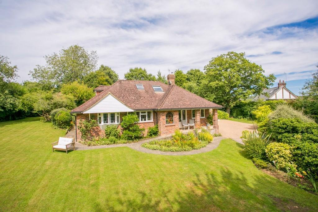 4 Bedrooms Chalet House for sale in Pook Reed Lane, Heathfield