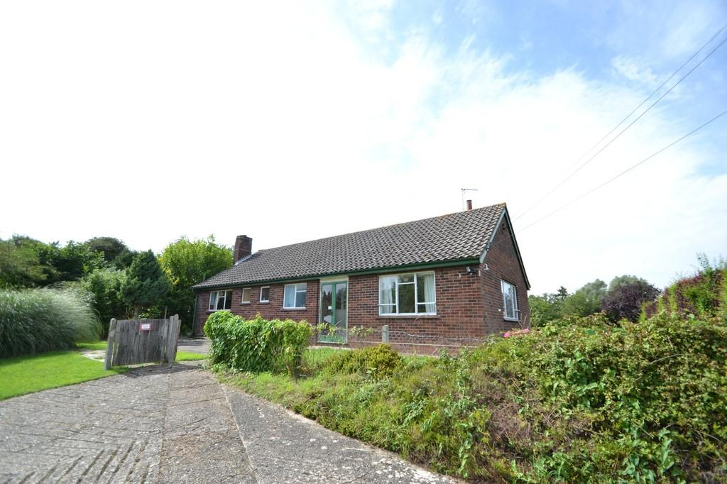4 Bedrooms Detached Bungalow for sale in Ipswich Road, Debenham, Suffolk, IP14 6LB