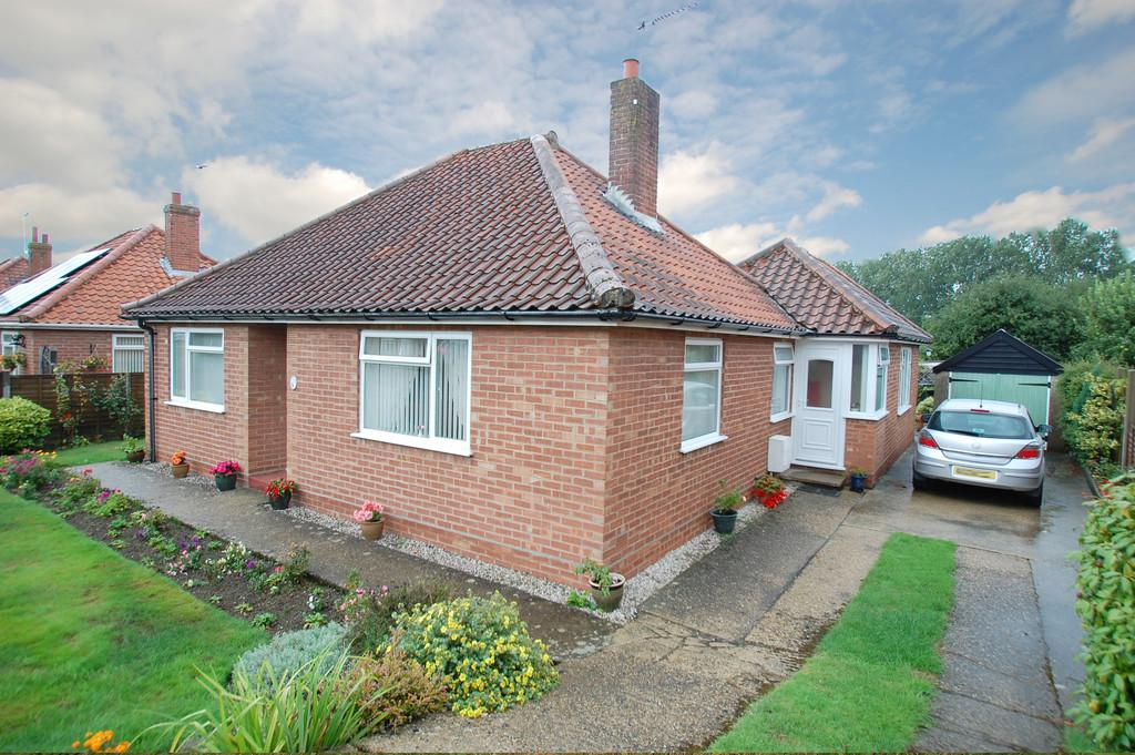 3 Bedrooms Detached Bungalow for sale in Norwich Road, North Walsham