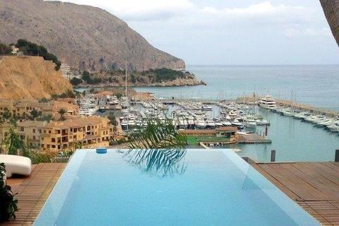 4 bedroom villa  - Campomanes Puerto, Alicante