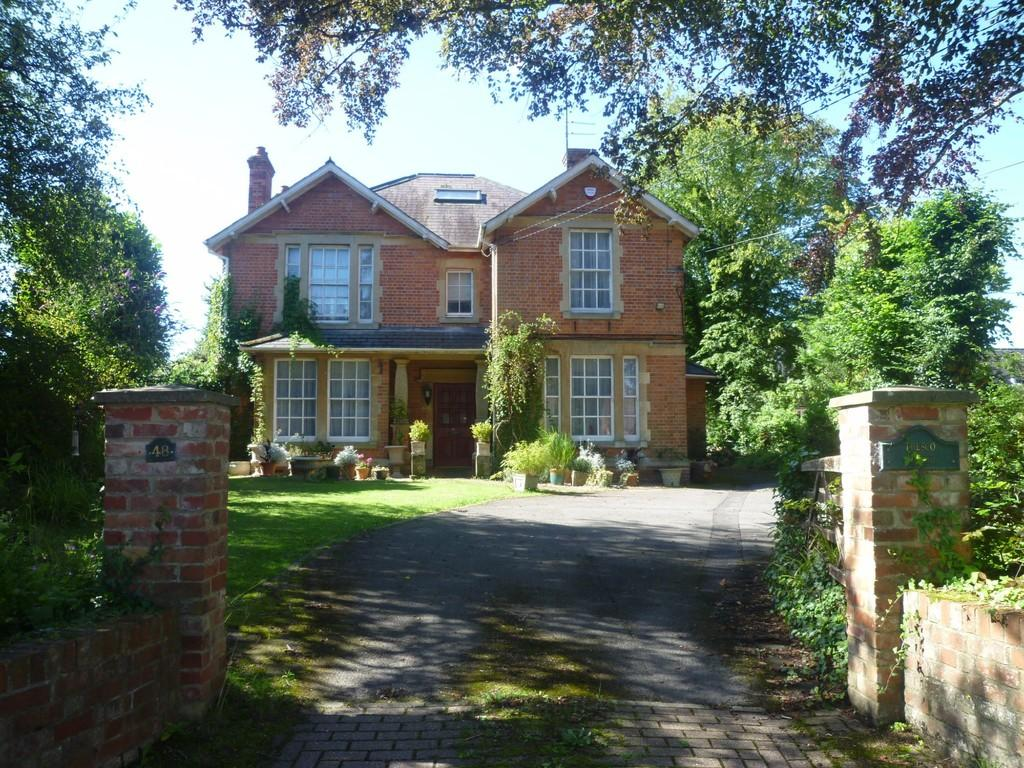 5 Bedrooms Detached House for sale in Boreham Road, Warminster