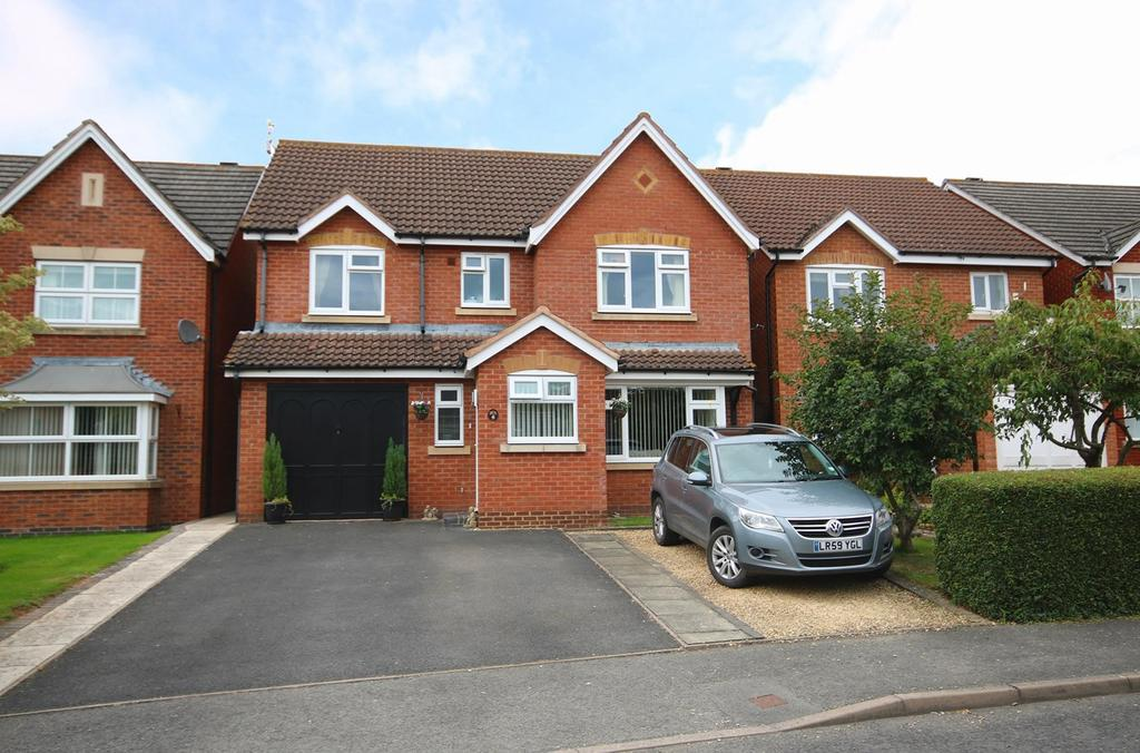 4 Bedrooms Detached House for sale in Hazle Close, Ledbury, HR8