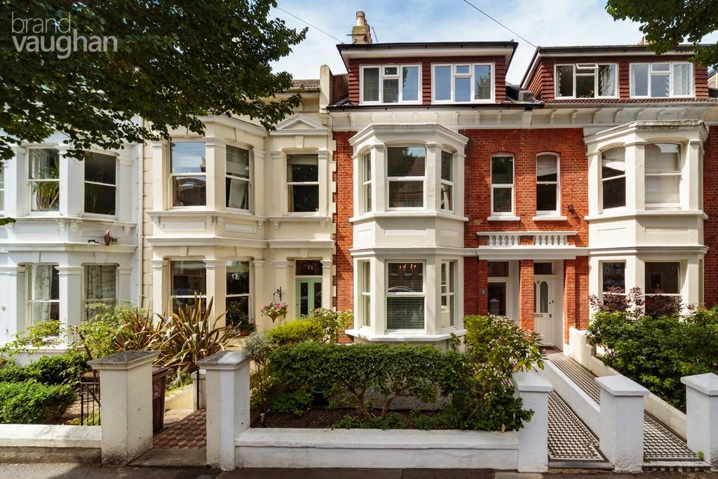 4 Bedrooms Terraced House for sale in Connaught Road, Hove, BN3