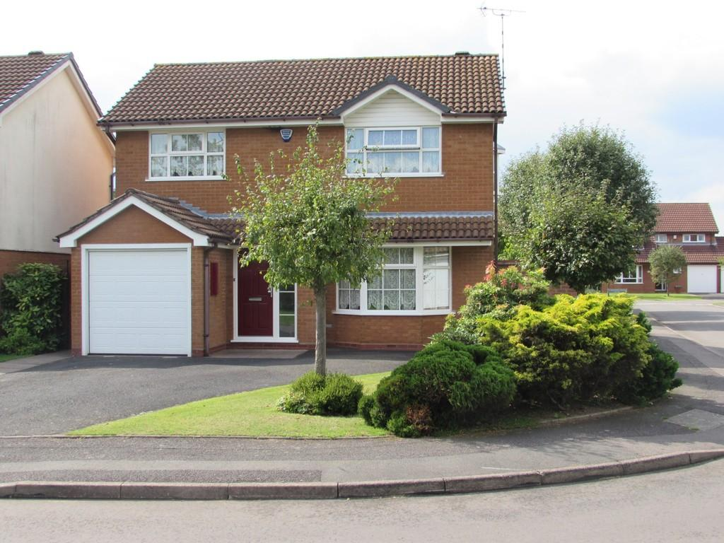 4 Bedrooms Detached House for sale in Maybridge Drive, Solihull