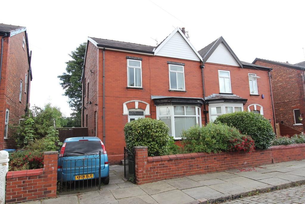 3 Bedrooms Semi Detached House for sale in Sutton Road, Heaton Norris/Moor