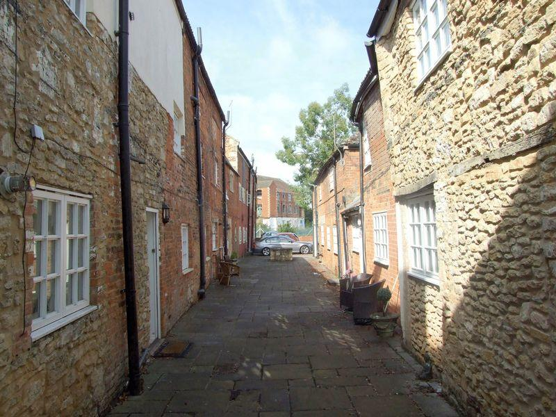 1 Bedroom Apartment Flat for sale in Hill Street Court, Trowbridge