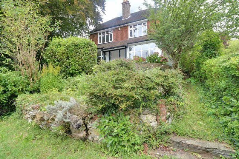 4 Bedrooms Detached House for sale in Cliff End, Purley